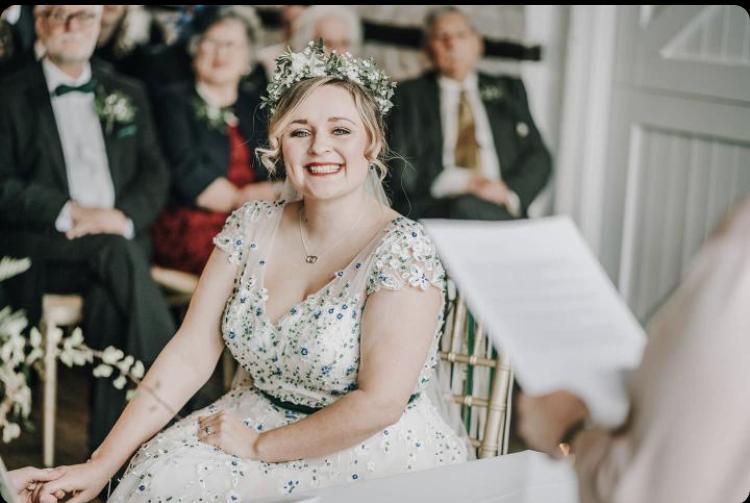 Georgina wedding at lillibrooke manor maidenhead